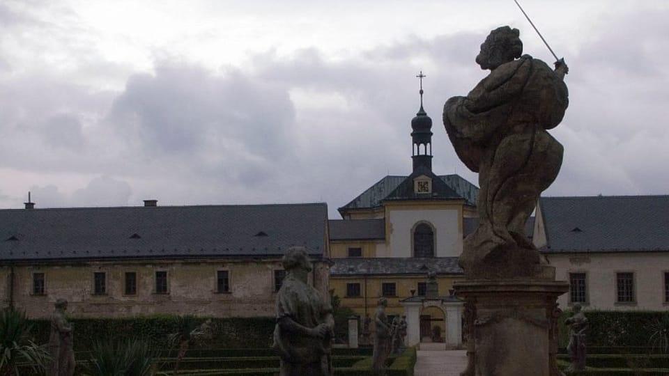 Вид на госпиталь Кукс со двора перед реконструкцией  (Фото: Ольга Васинкевич,  Чешское радио - Радио Прага)