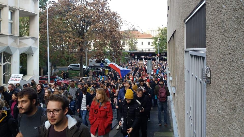 Реконсрукция студенческой демонстрации 17.11.1989,   фото: Enrique Molina