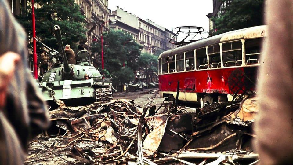 Вторжение 1968 года,  фото: Лешек Сависки