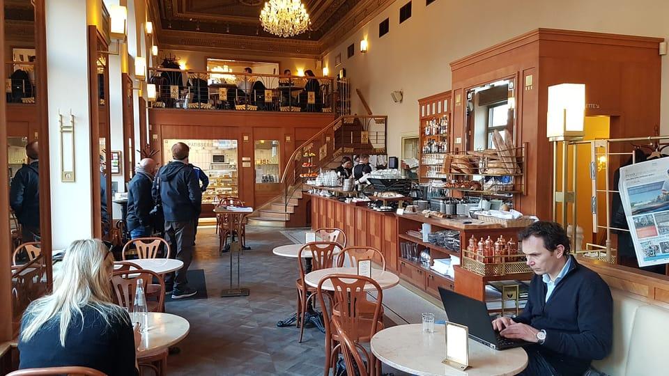 Café Savoy,  Фото: Ондржей Томшу,  Чешское радио - Радио Прага