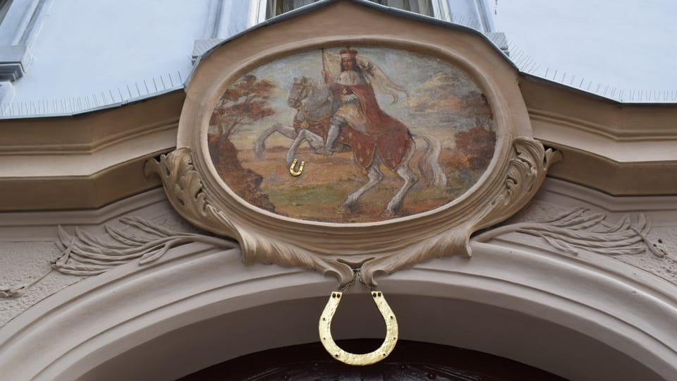Домовой знак на Нерудовой улице,  Фото: Екатерина Сташевская,  Чешское радио - Радио Прага
