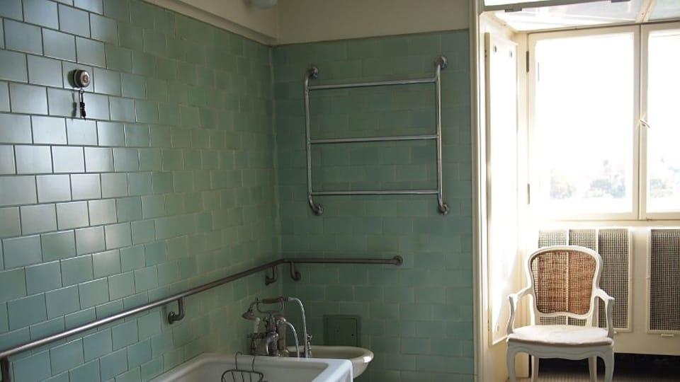 Ванная комната в квартире Яна Масарика в здании МИД ЧР,  Фото: Ольга Васинкевич,  Чешское радио - Радио Прага