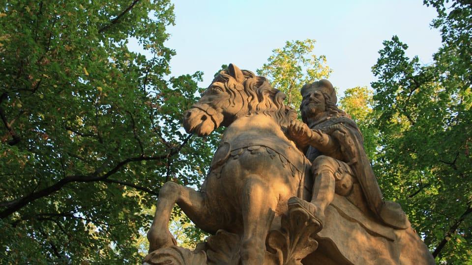 Это одно из трех пражских изваяний святого Вацлава работы скульптора Яна Иржи Бендла,  фото: Барбора Немцова