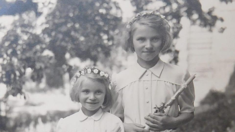 Двое детей из числа переселенных из обл. Дуклы,  фото: archiv Post Bellum