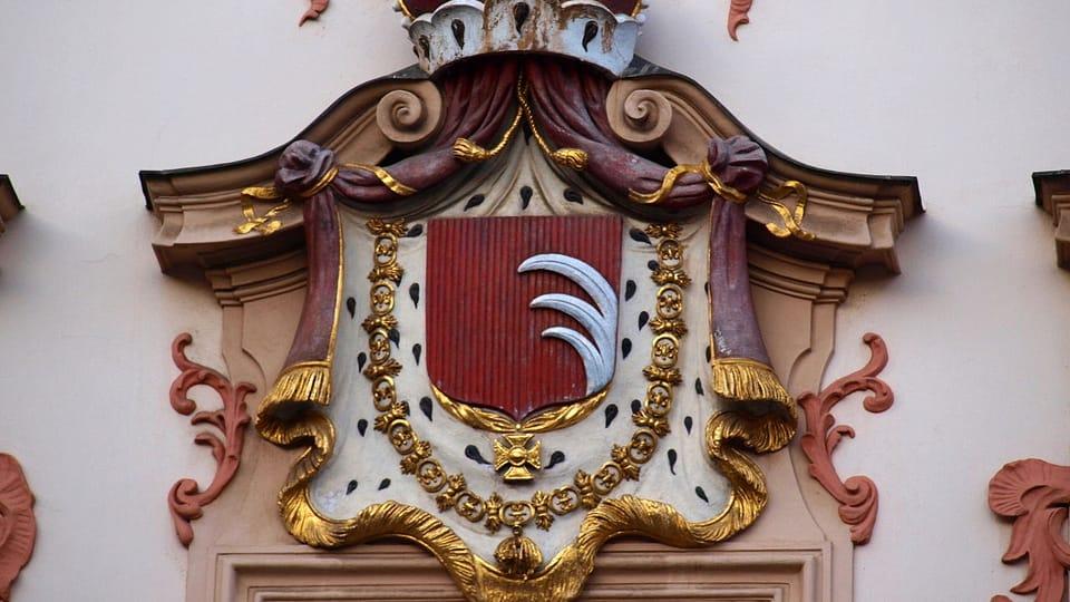 Герб Кинских,  VitVit CC BY 3.0   Фото: VitVit,  Wikimedia Commons,  CC BY 3.0