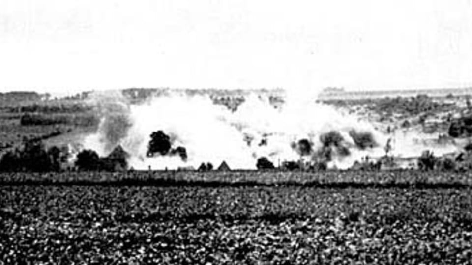 Чешская деревня Лидице в момент сожжения,  фото: открытый источник