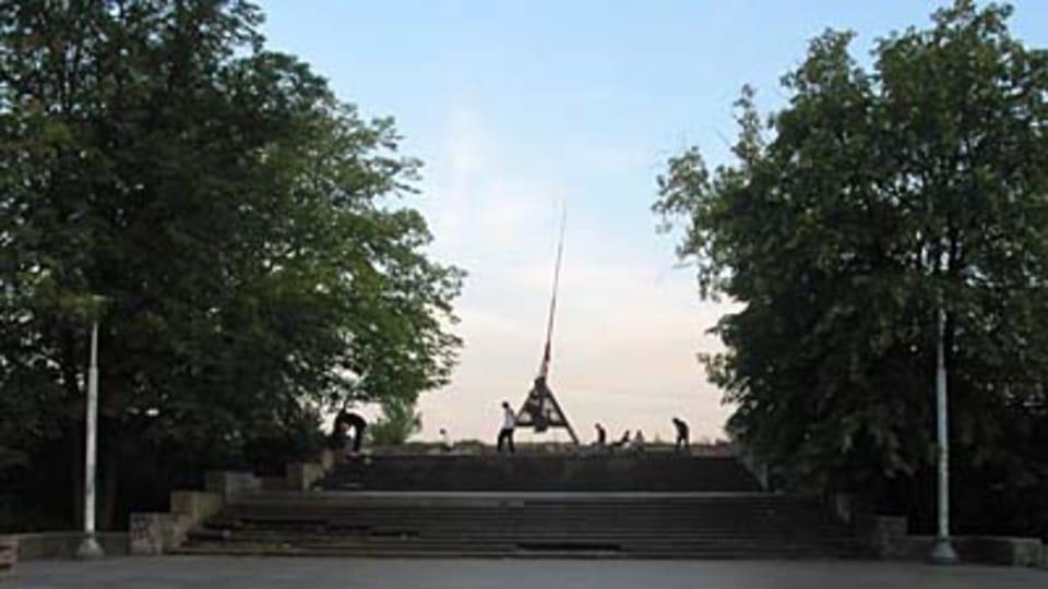 Место,  где когда-то над чешской столицей возвышался каменный памятник Сталину