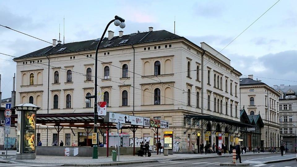 Масариков вокзал — первый вокзал Праги,  обслуживающий «паровую» железную дорогу,  завершивший линию Прага—Оломоуц.  (Фото: Олег Фетисов)