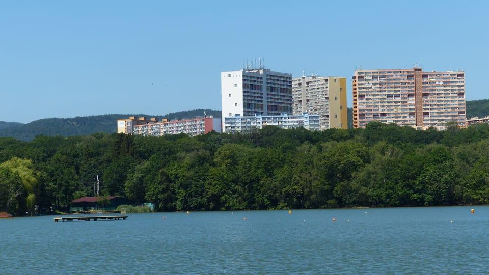 Каменцове озеро на окраине города Хомутов,  фото: Клара Стейскалова