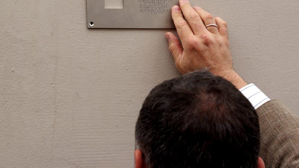 Установление мемориальной таблички,  Фото: Тимур Кашапов,  Чешское радио - Радио Прага