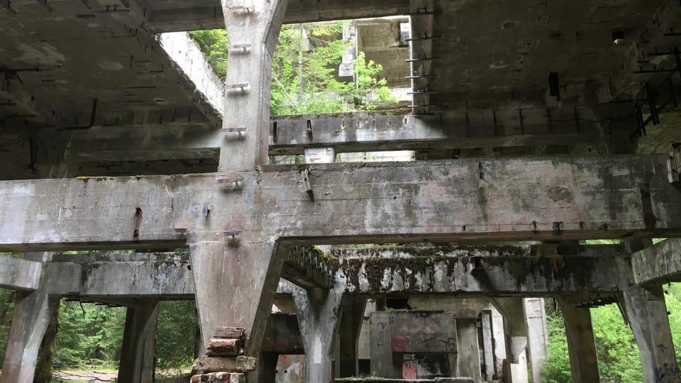 Бывший завод по добыче и переработке олова у городка Пршебуз,  фото: Любомир Сматана,  Архив Чешского Радио