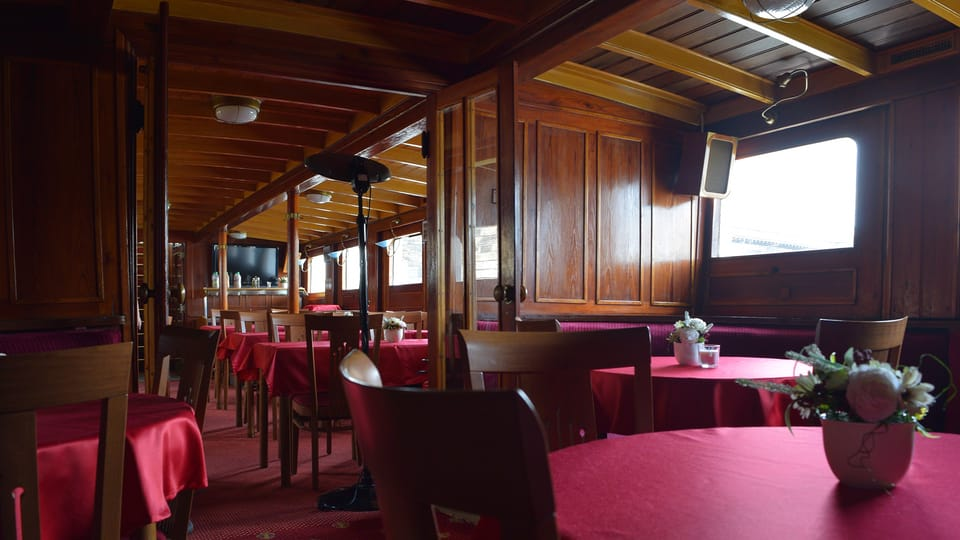 Ресторан,  Фото: Ондржей Томшу,  Чешское радио - Радио Прага