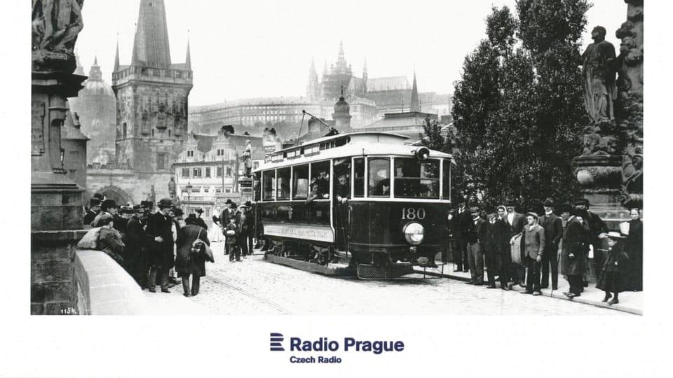 Трамвай на Карловом мосту,  Фото: Пражское транспортное управление
