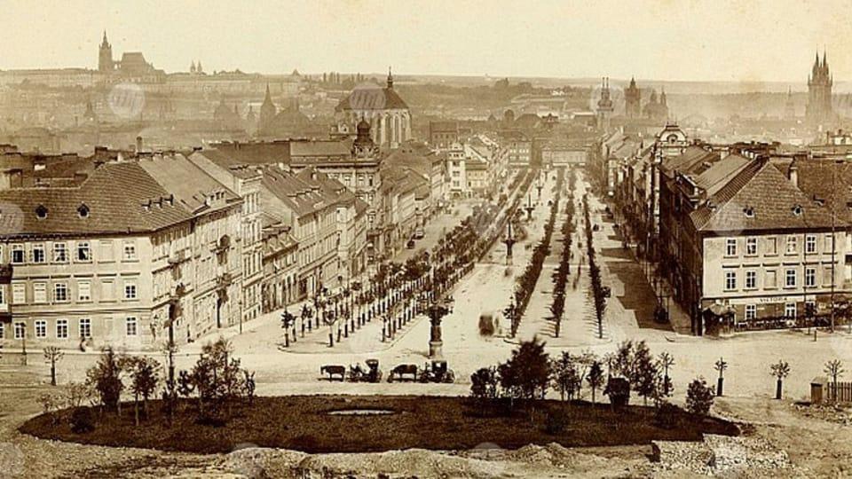 Вацлавская площадь в 1885 году,  фото: Архив Музея города Праги