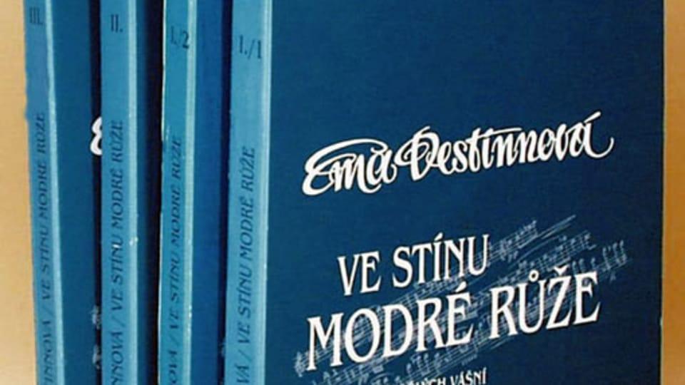 «В тени синей розы»,  фото: Knižní klub