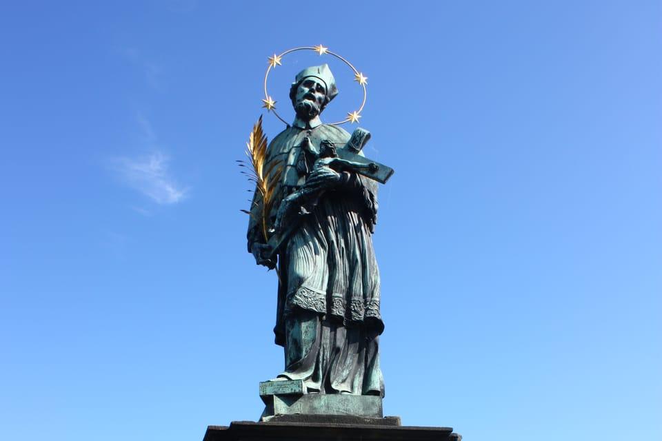 статуя Яна Непомуцкого,  Фото: Архив Чешского радио - Радио Прага